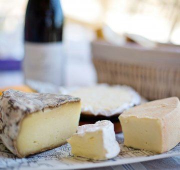 How to create and style the perfect cheese platter