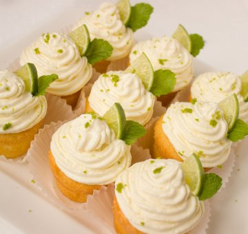 Lime cupcakes with Pinot Gris cream cheese icing