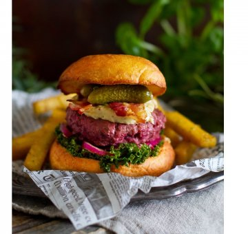 Beef Lindström beetroot burgers with caramelised onion mayo